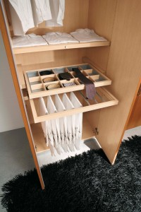 Arredamento zona notte in stile moderno dane mobili - Portacravatte per armadi ...