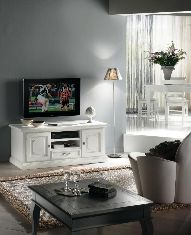 Arredamento zona giorno in stile classico dane mobili for Mensole stile provenzale