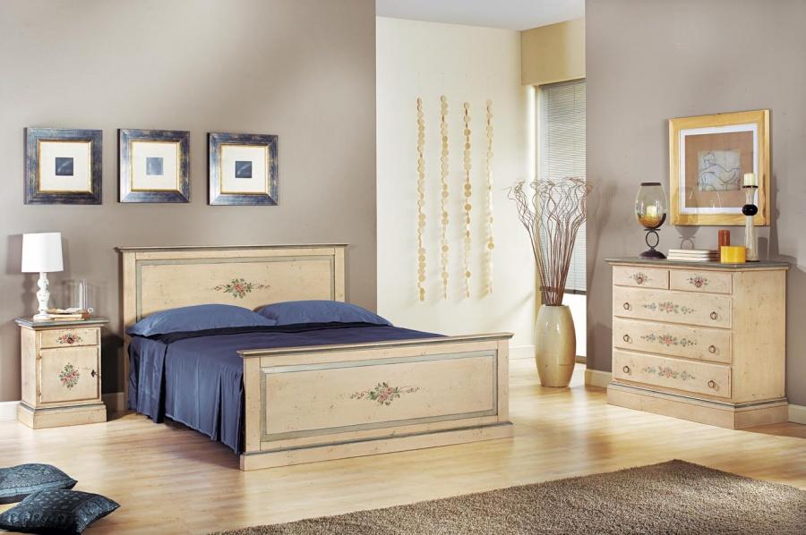 Camera da letto classica in legno massello finitura bianco - Mobili legno bianco anticato ...