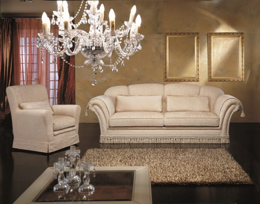 Salotti in stile classico dane mobili for Mobili per divani