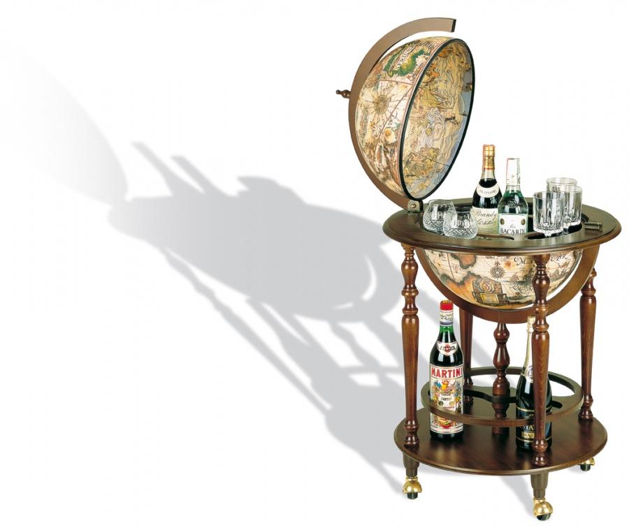 Complementi d 39 arredo in stile classico dane mobili for Mappamondo da arredo