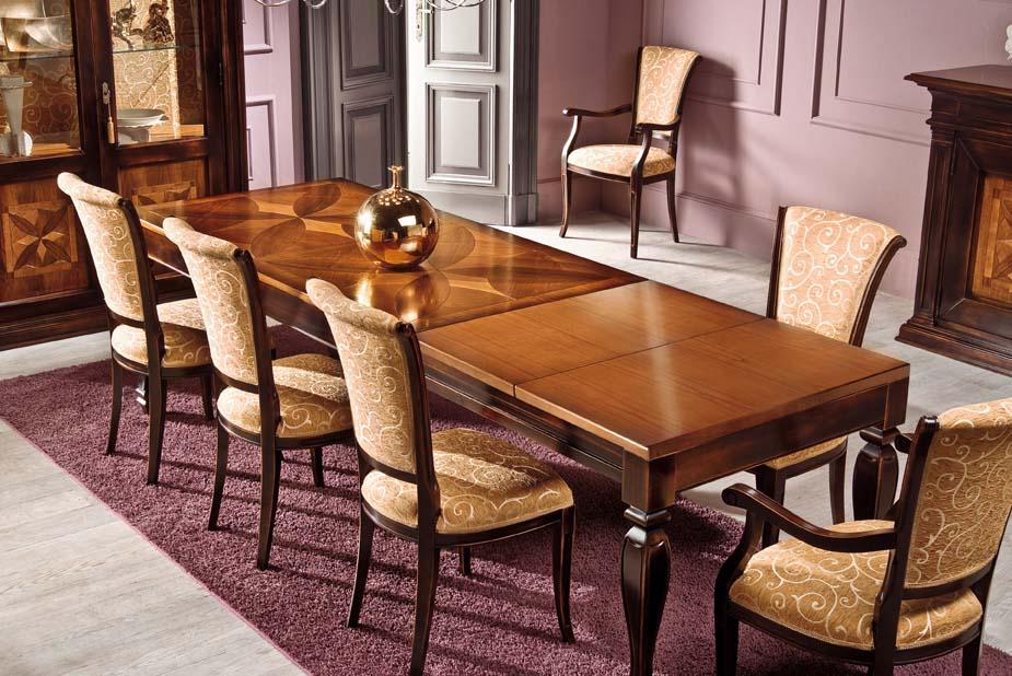 Tavolo allungabile classico in legno con piano intarsiato for Tavolo legno intarsiato