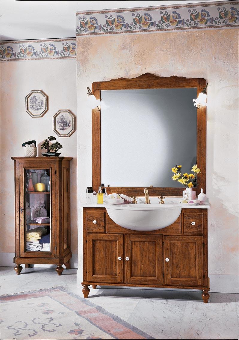 Bagni in stile classico dane mobili for Mobili stile classico