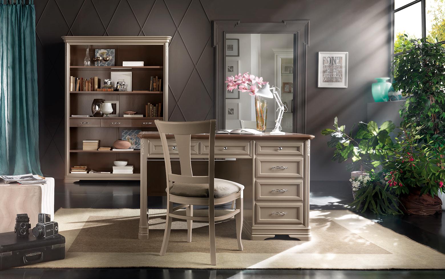 Scrittoio con cassetti stile classico, art. 539 - Sedia in legno con seduta in stoffa, art. 294 - Libreria a giorno con 3 cassetti, art. 186